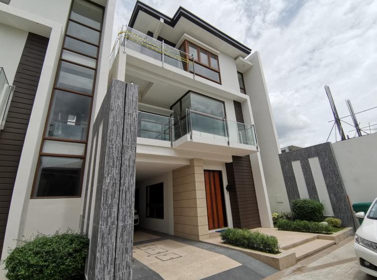 Townhouse for Sale in Quezon City - Alpha Ridge main