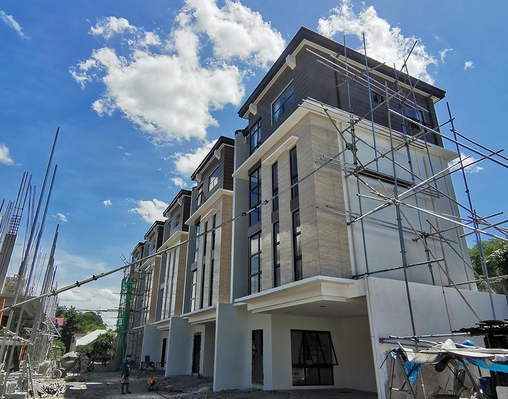 Townhouse for Sale in Quezon City. Visayas Ave.